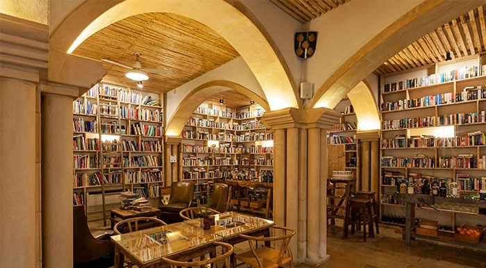 literary-man-hotel-50000-books-portugal-coverimage