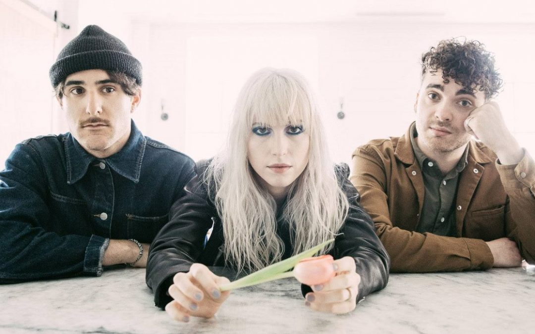 "Paramore versiona ""Someday"" de The Strokes"