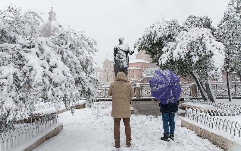 Snowfall in the night in the capital city The snowfall connected to the arrival of Burian whitewashed the center of the capital, with iconic monuments transformed into wonderful snow sculptures on February 26, 2018 in Rome, Italy. (Photo by Andrea Ronchini/NurPhoto via Getty Images)