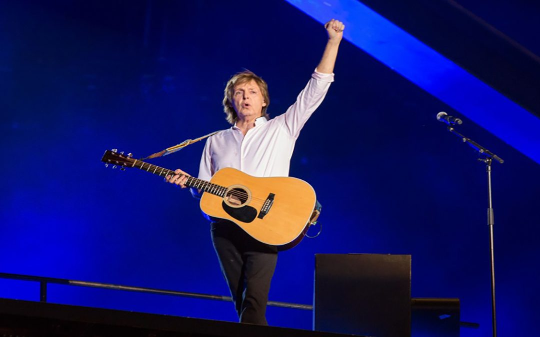 Paul McCartney recordó al primer bajista de Los Beatles