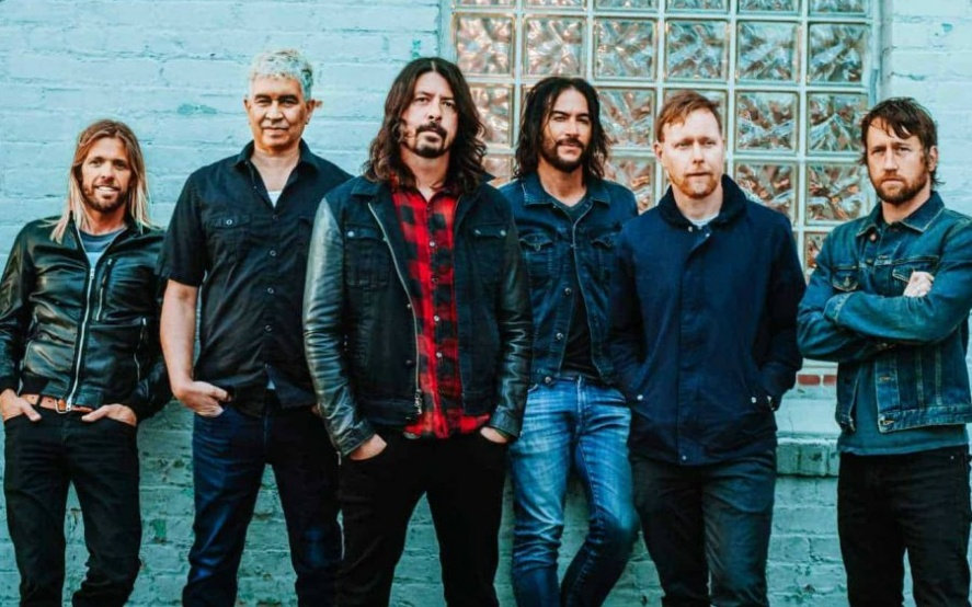 20191011150705_foofighters-900x600