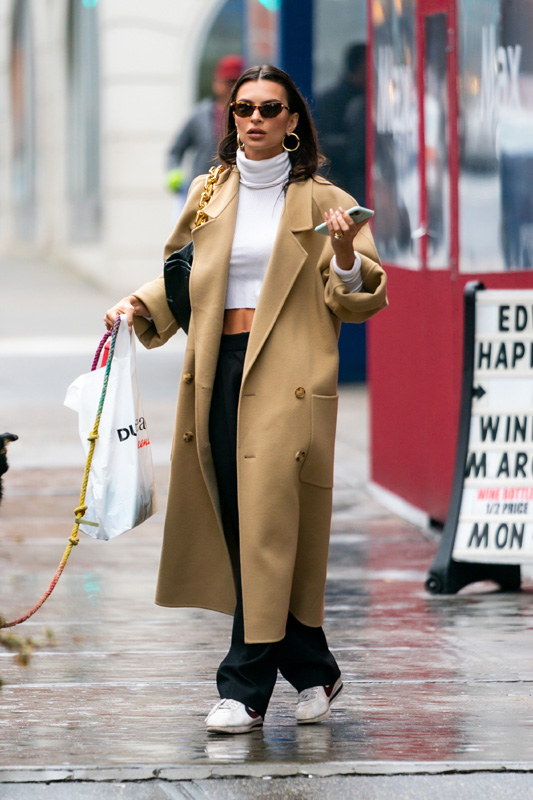 NEW YORK, NEW YORK - FEBRUARY 26: Emily Ratajkowski is seen in Tribeca on February 26, 2020 in New York City. (Photo by Gotham/GC Images)
